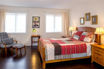 Retro style new bedroom with vintage quilt