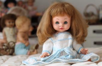 How to Fix Vintage Doll Hair in Simple Steps