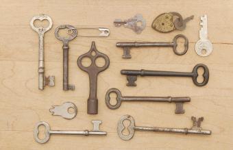 Antique Skeleton Key Identification Guide