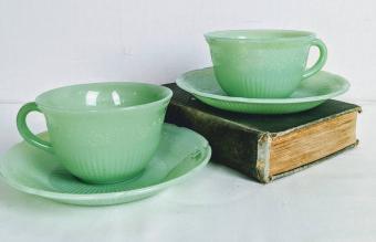 Vintage Jadeite Cup Alice Pattern