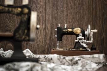 Antique Miniature Sewing Machines: A Mini Collector's Guide