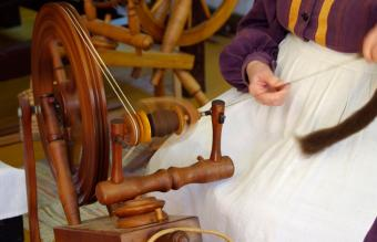 Antique Spinning Wheel Identification Made Simple