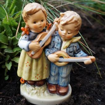 Hummel figurine children ceramic
