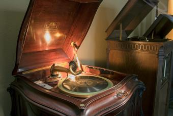 The Antique Victrola Record Player: An Icon in Sound