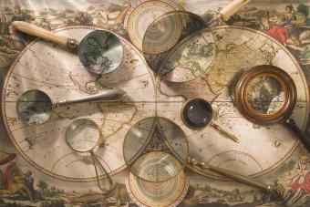 Antique Magnifying Glass Styles and Collector's Tips
