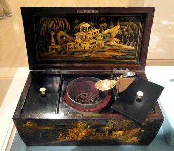 Tea caddy, Chinese, with caddy spoon by Elizabeth Morley