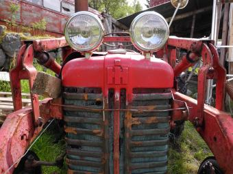 Tractor eyes