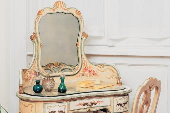 How an Antique Dressing Table Can Add a Timeless Feel