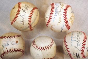Bullpen-Babe Ruth Baseballs