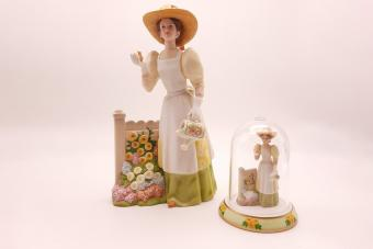 Avon, Mrs. Albee Award, President's club, 2008 Mrs. Albee figurine