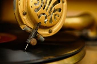 Antique phonograph need on a record