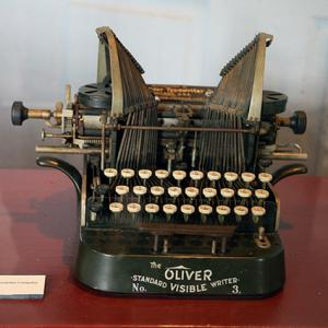 Oliver No 3 Typewriter