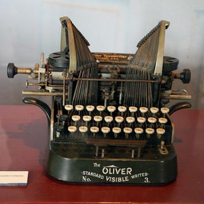 Oliver No 3 Typewriter