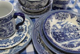 Blue and white transferware & Antique Dish Values | LoveToKnow