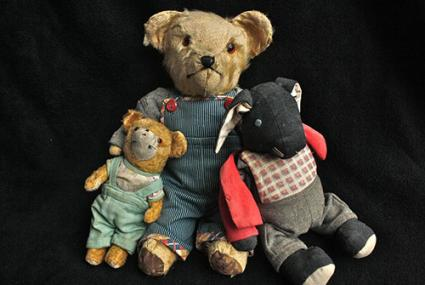 Antique and vintage teddy bears