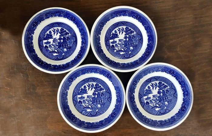 4 Vintage Buffalo China Blue Willow Ware