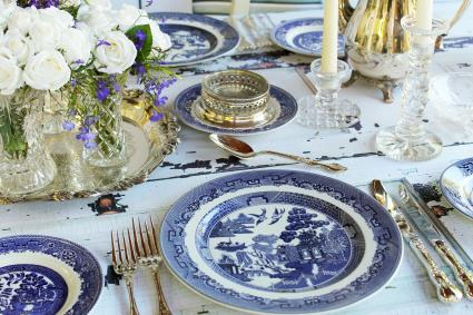Vintage Wedding with Blue Willow Plates