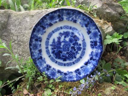 ROCK by Edward Challinor Flow Blue Plate