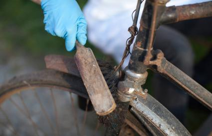 cleaning rust from vintage bicycle