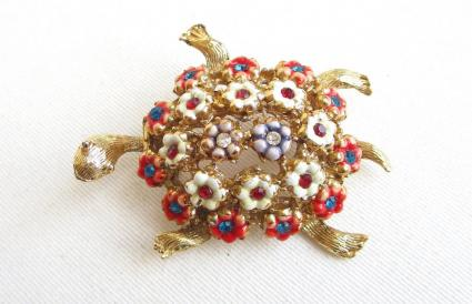HATTIE CARNEGIE Vintage Gold Ornate Turtle Brooch
