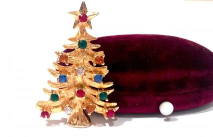 Eisenberg Ice Christmas Brooch