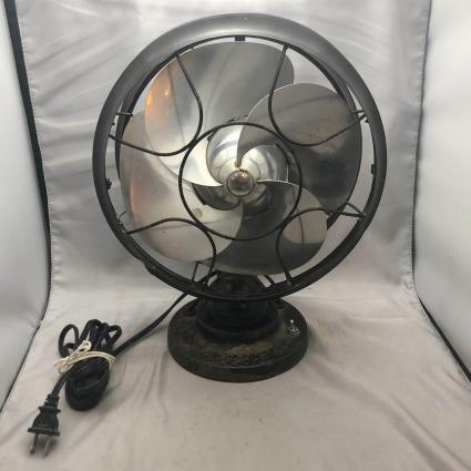 Vintage Emerson Silver Swan Electric Fan
