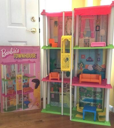 Vintage 1973 Mattel Barbie Townhouse