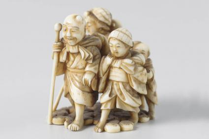 Netsuke, A group of five persons