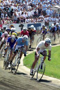 Cyclists_racing.jpg