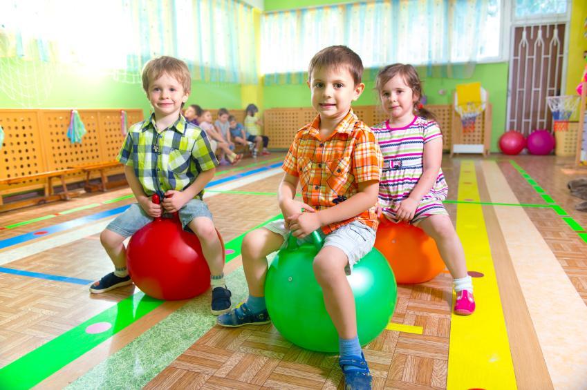 https://cf.ltkcdn.net/autism/images/slide/170219-849x565-bouncing-balls.jpg