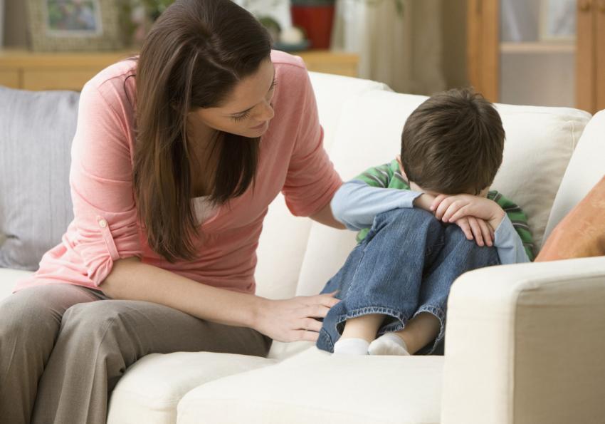 https://cf.ltkcdn.net/autism/images/slide/256703-850x595-14_mother_sad_child.jpg