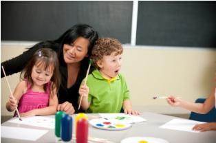 Using art activities to teach children with autism