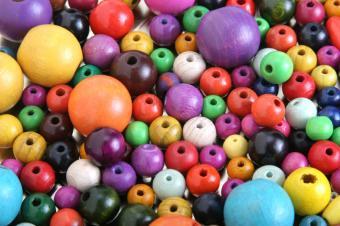 https://cf.ltkcdn.net/autism/images/slide/154982-849x565r1-beads.jpg