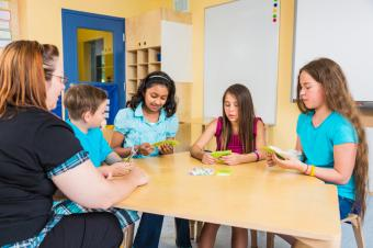 Teaching Aids to Teach Kids With Autism Social Skills