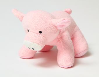 https://cf.ltkcdn.net/autism/images/slide/170215-785x611-pig-toy.jpg