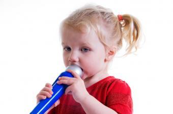 https://cf.ltkcdn.net/autism/images/slide/170216-850x563-toy-microphone.jpg