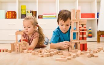 https://cf.ltkcdn.net/autism/images/slide/170222-850x534-kids-blocks.jpg