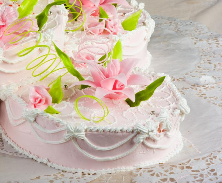 https://cf.ltkcdn.net/baby/images/slide/10044-764x628-Spiral-Lily-Cake.jpg