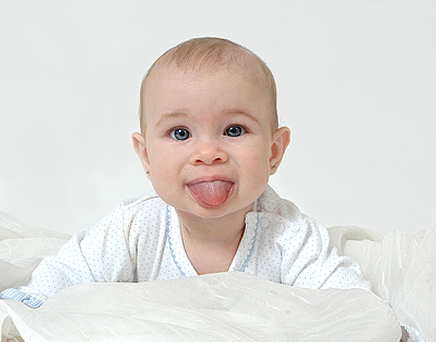 https://cf.ltkcdn.net/baby/images/slide/183291-850x668-smooched-baby.jpg