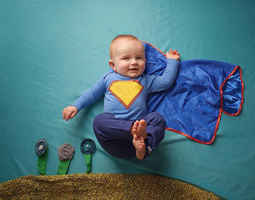 https://cf.ltkcdn.net/baby/images/slide/183294-850x668-super-hero-baby.jpg