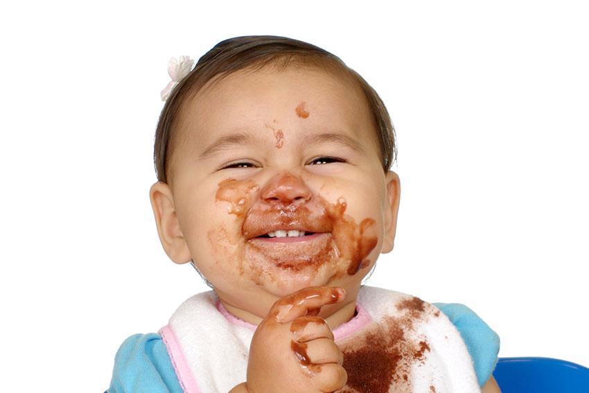 https://cf.ltkcdn.net/baby/images/slide/189116-850x567-baby-wearing-messy-food.jpg