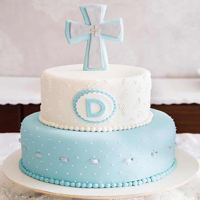 https://cf.ltkcdn.net/baby/images/slide/199071-670x670-Cross-cake.jpg