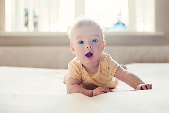 https://cf.ltkcdn.net/baby/images/slide/215624-704x469-Cute-baby.jpg