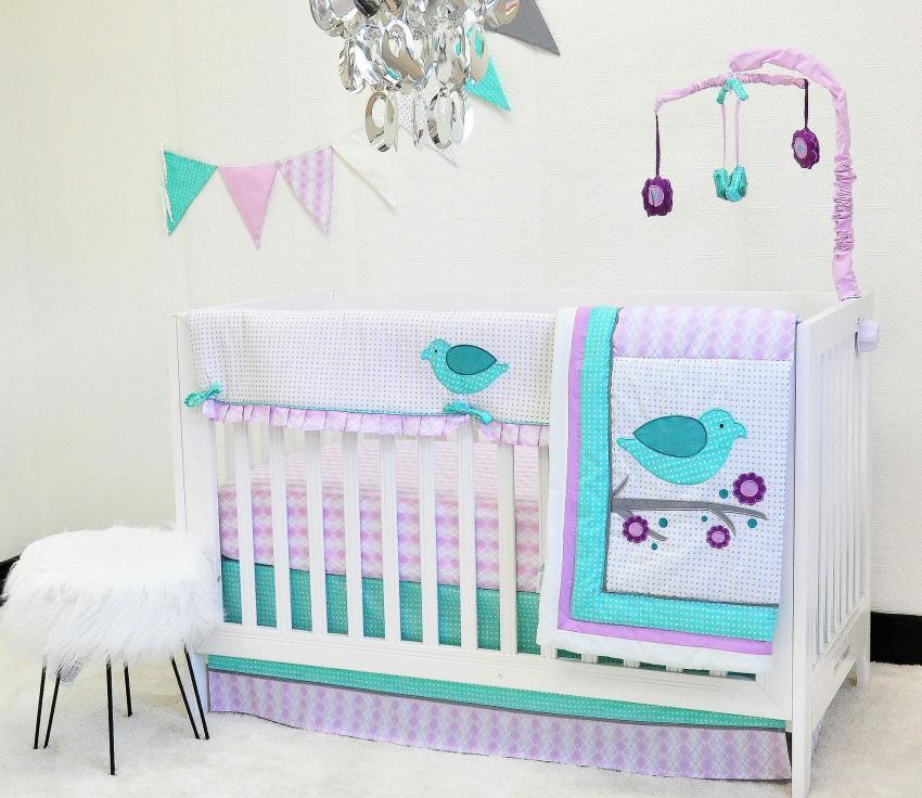 https://cf.ltkcdn.net/baby/images/slide/217673-850x736-Love-Birds-10-Piece-Nursery-Bedding-Set.jpg