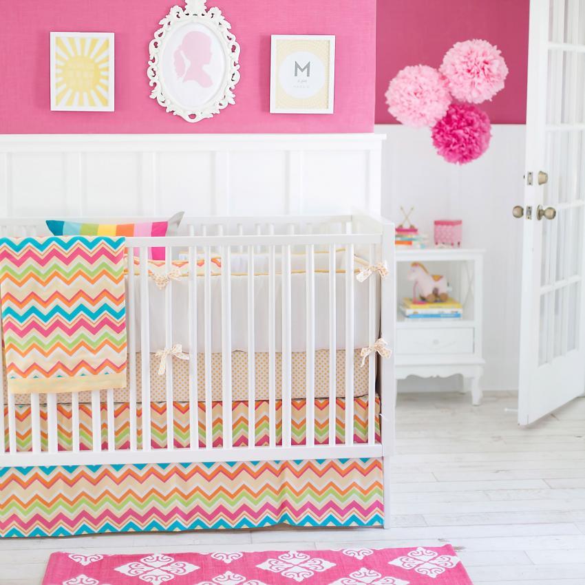 https://cf.ltkcdn.net/baby/images/slide/217706-850x850-Chevron-Sunnyside-Up-Baby-Bedding.jpg