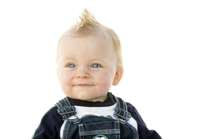 https://cf.ltkcdn.net/baby/images/slide/231672-850x567-faux_hawk.jpg