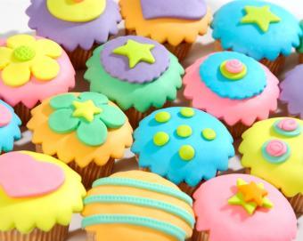 https://cf.ltkcdn.net/baby/images/slide/10094-702x559-cupcake9.jpg