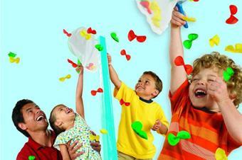 Kids playing Elefun