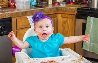 https://cf.ltkcdn.net/baby/images/slide/189210-850x545-messy-baby-pointing-finger.jpg