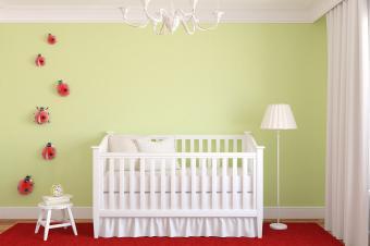 https://cf.ltkcdn.net/baby/images/slide/215278-850x566-Lady-Bug-Nursery.jpg